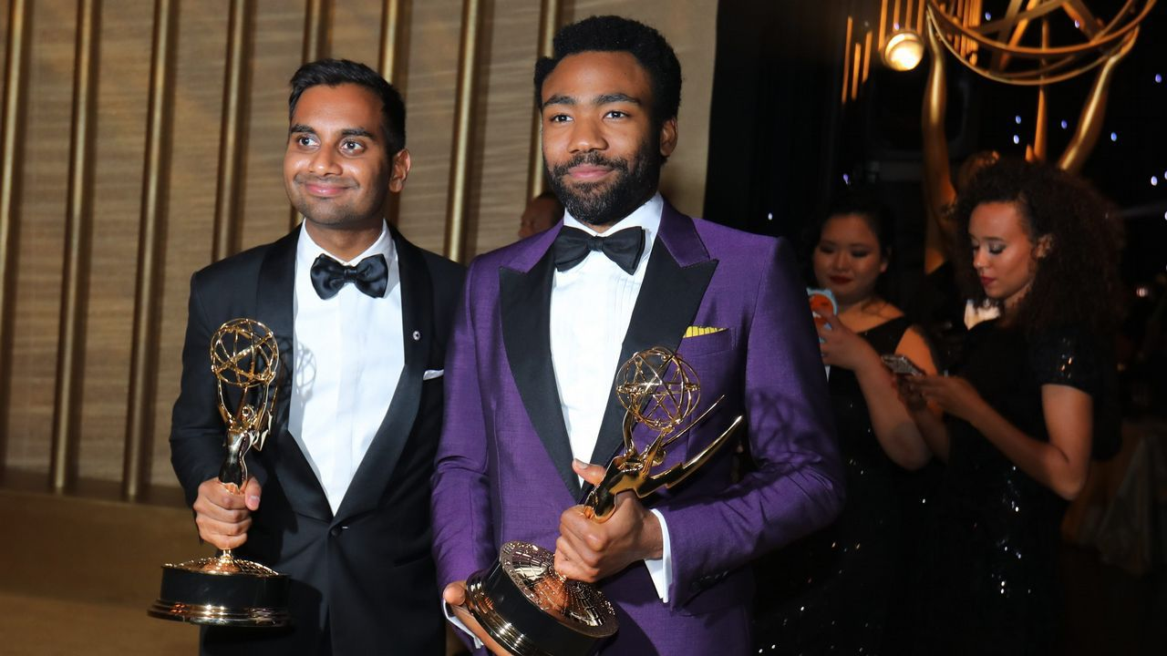 Mejor guion de comedia para Aziz Ansari y Lena Waithe por «Master of None»