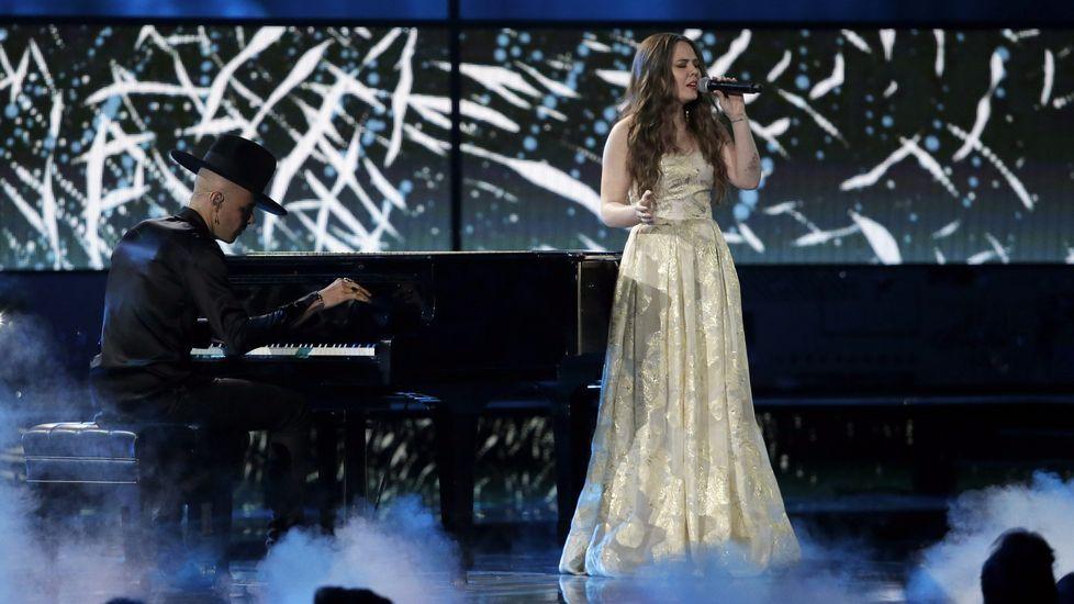 Mejor Álbum Vocal Pop Contemporáneo: «Un besito más», Jesse & Joy