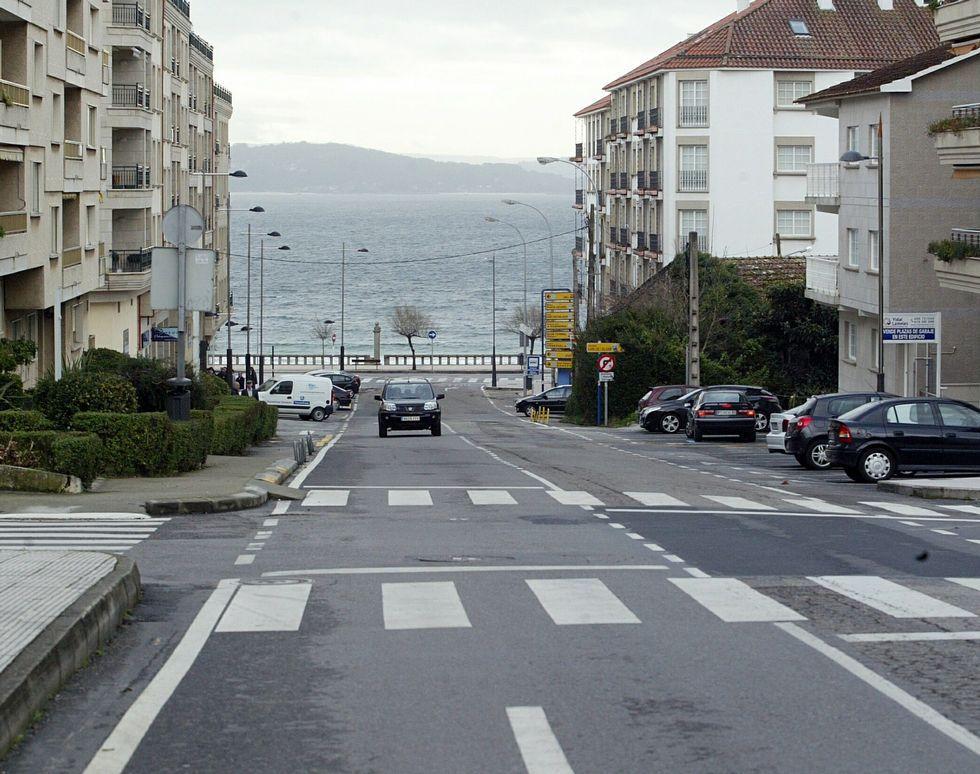 La calle Luis Rocafort de Sanxenxo es una de las vías.