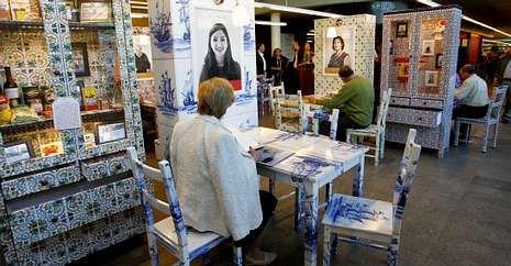 Exposición sobre la emigración gallega en Holanda para conocer sus historias personales.