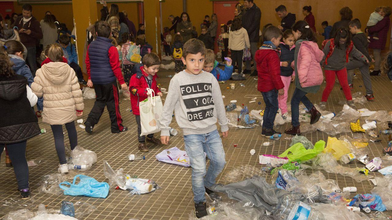 Los escolares del Xosé Pichel fueron conscientes de la invasión que supone el plástico