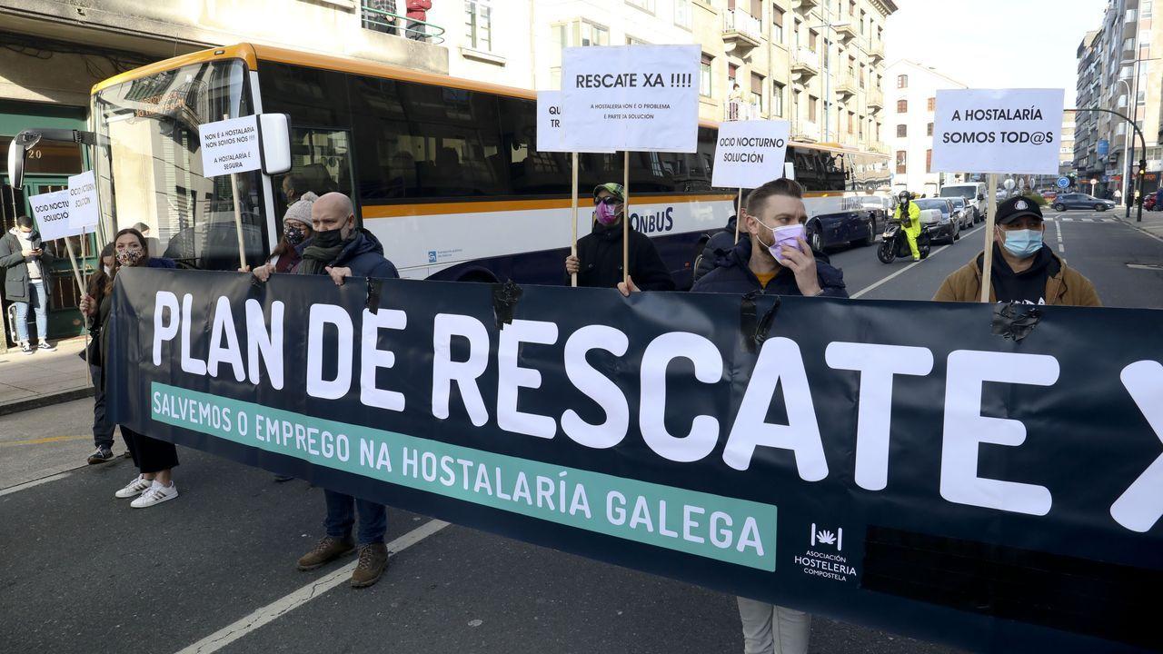 Los hosteleros cortaron el tráfico en el Camiño Novo de Santiago