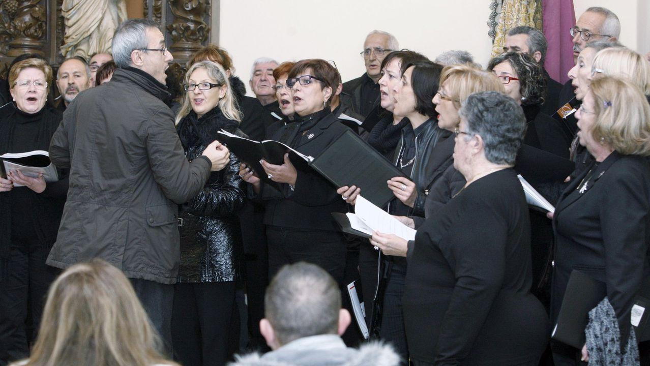 El cementerio de San Froilán acoge cada año el Concerto da Lembranza