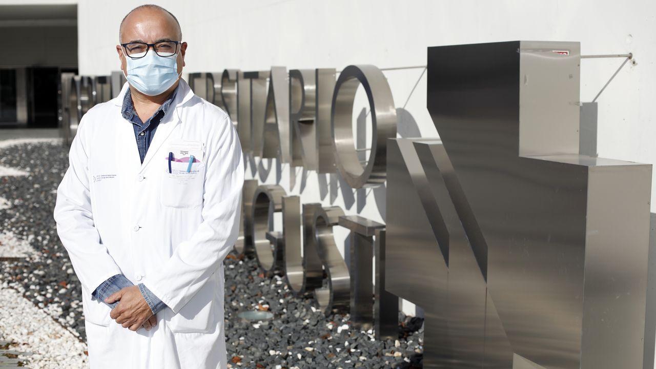 El jefe de oncología del HULA, Sergio Vázquez Estévez