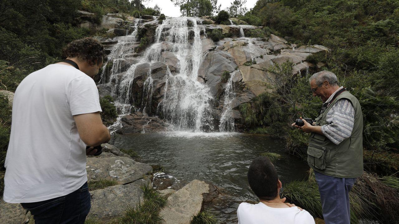 Enamórate de las cascadas de A Mariña.El auto-covid del hospital de Burela realiza de nuevo estos días sin descanso pruebas PCR para detectar positivos por covid en A Mariña