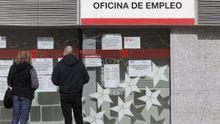 Mercado laboral, una oficina de empleo cerrada por la crisis sanitaria