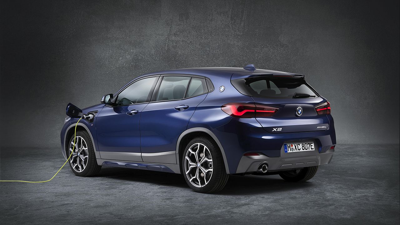Los concesionarios BMW ya comercializan el nuevo X2 xDrive25e