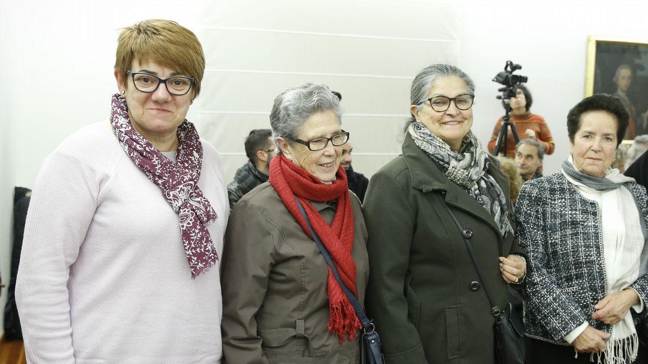 De izquierda a derecha, Elsa, Isabel Maruja y Lola, memoria viva de la conserva gallega