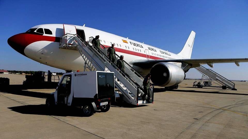 El avión medicalizado que repatriará al religioso español contagiado con ébola.