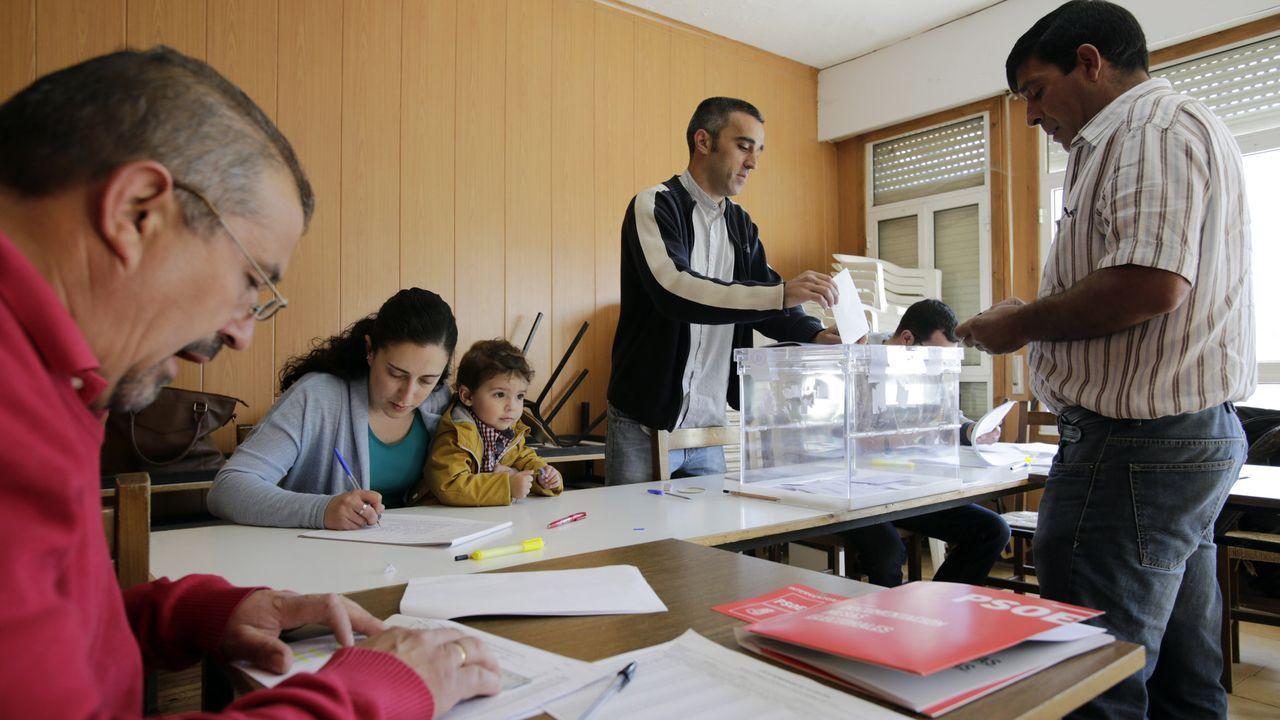 Votación en una jornada electoral en Ourense