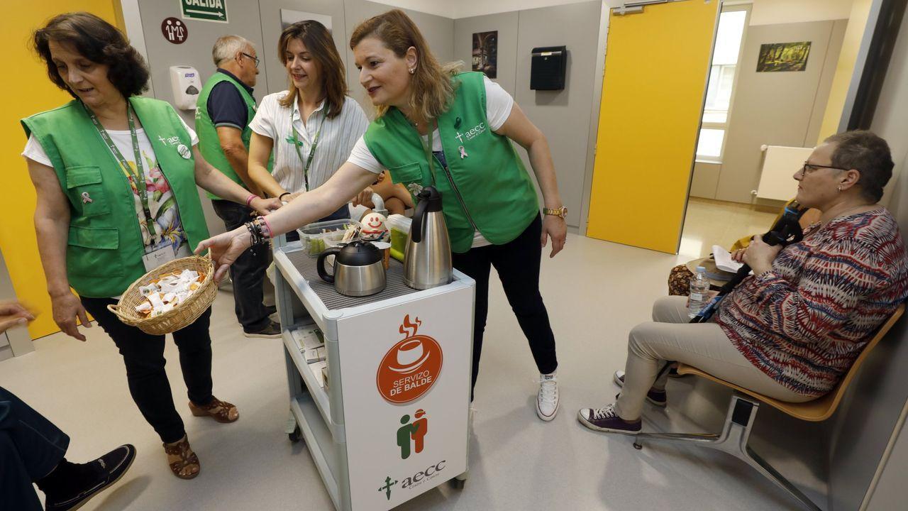 La Asociación Española Contra el Cáncer intensificó su actividad en A Mariña en el 2019, con servicios como el Carrito Don Amable, que acompaña y ofrece un tentempié a enfermos oncológicos y familiares en el Hospital Público da Mariña