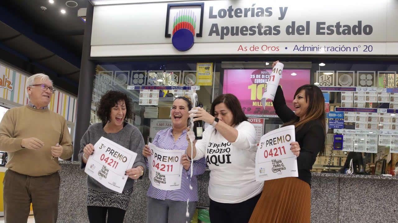 Administración de Lotería El As de Oros del Centro Comercial Los Rosales que vendió un décimo del 3º premio