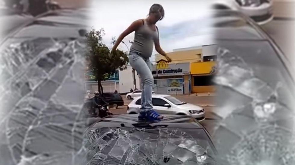 Una mujer embarazada destroza el coche de su marido infiel.Cantante rumano deja boquiabiertos a los jueces