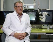 El doctor Vázquez Barro hablará mañana en Afundación sobre los problemas auditivos.