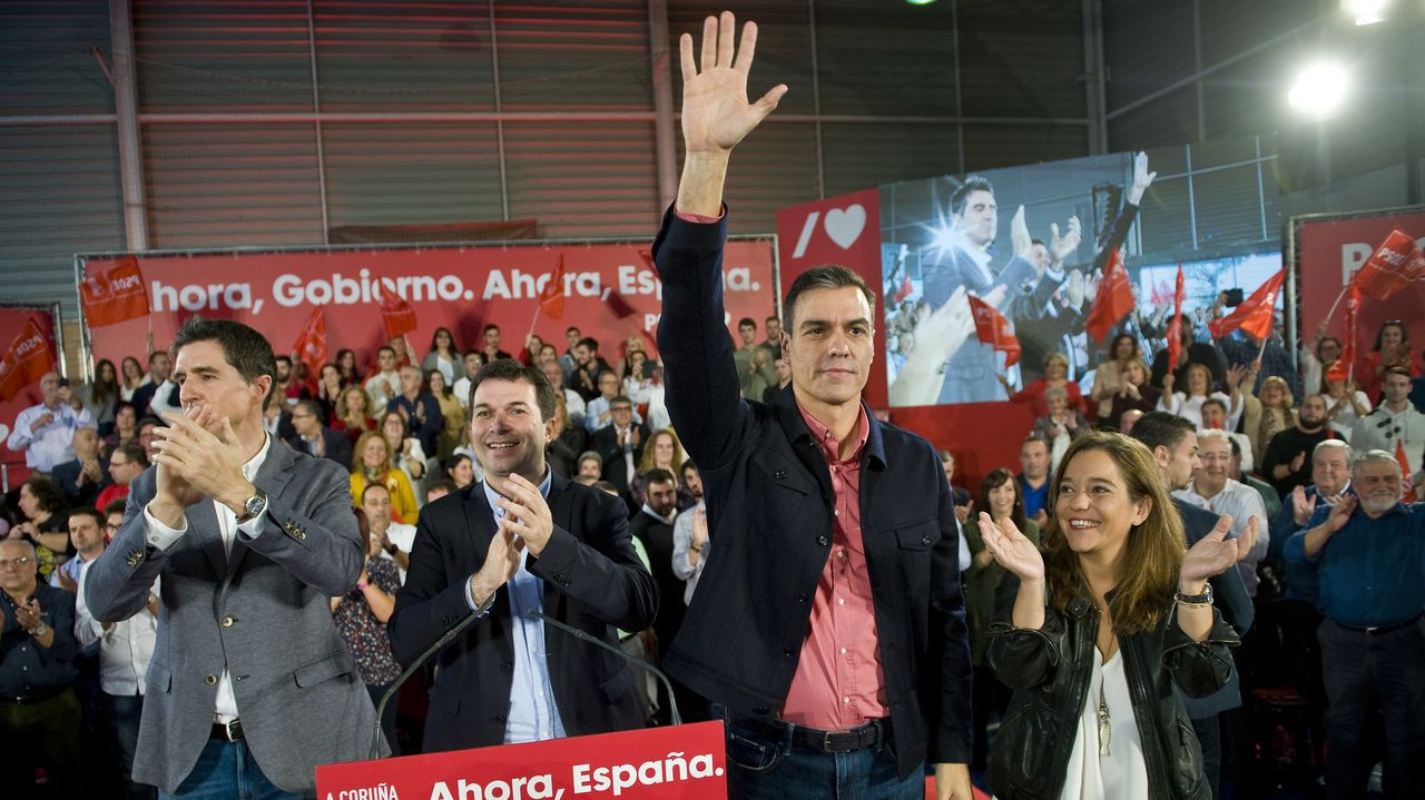 El PSOE cierra campaña en Vimianzo.El presidente de la Xunta, Alberto Núñez Feijoo, con el secretario general del PSdeG, Gonzalo Caballero