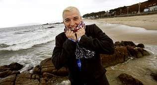 Amparo Rivelles, una vida interpretando.La playa de Samil es el escenario natural de Cristian, hasta el punto de que la ha tomado como nombre artístico .