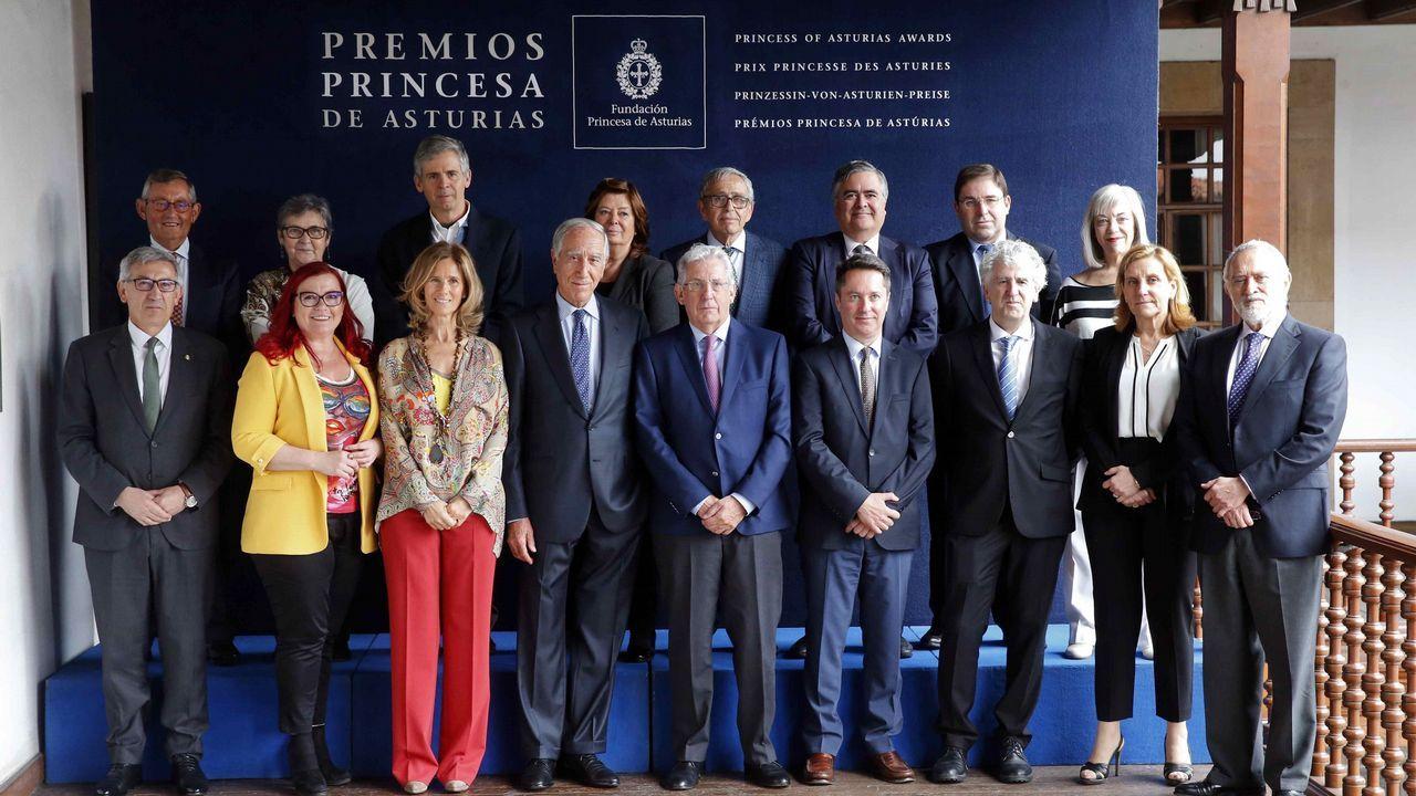 El jurado del Premio Princesa de Asturias de Investigación Científica y Técnica 2018, presidido por Pedro Echenique (c), inició hoy las deliberaciones del galardón, cuyo ganador dará a conocer mañana en Oviedo