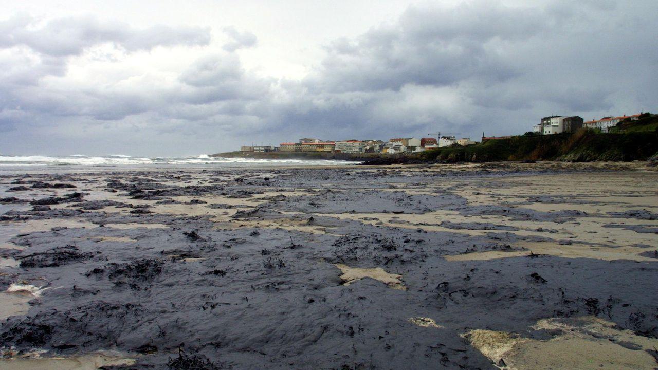 Marea negra en Caión