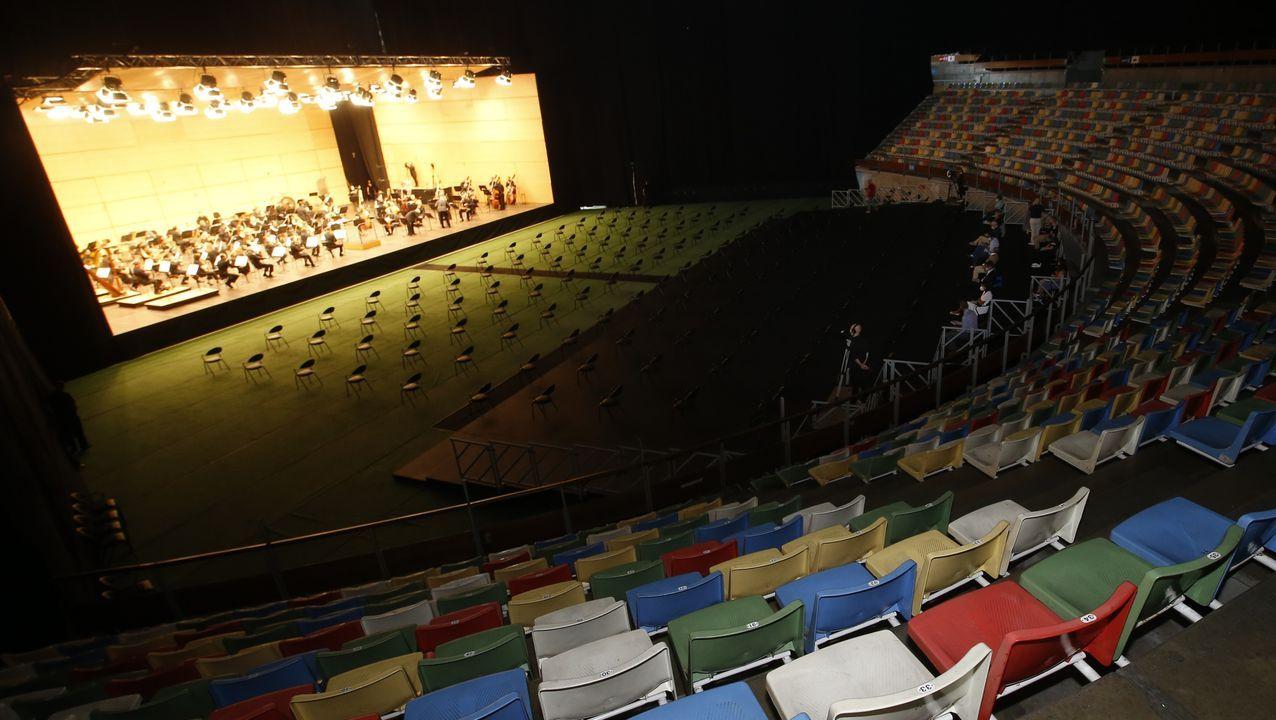 Primer concierto de la Sinfónica de Galicia en el Coliseo.