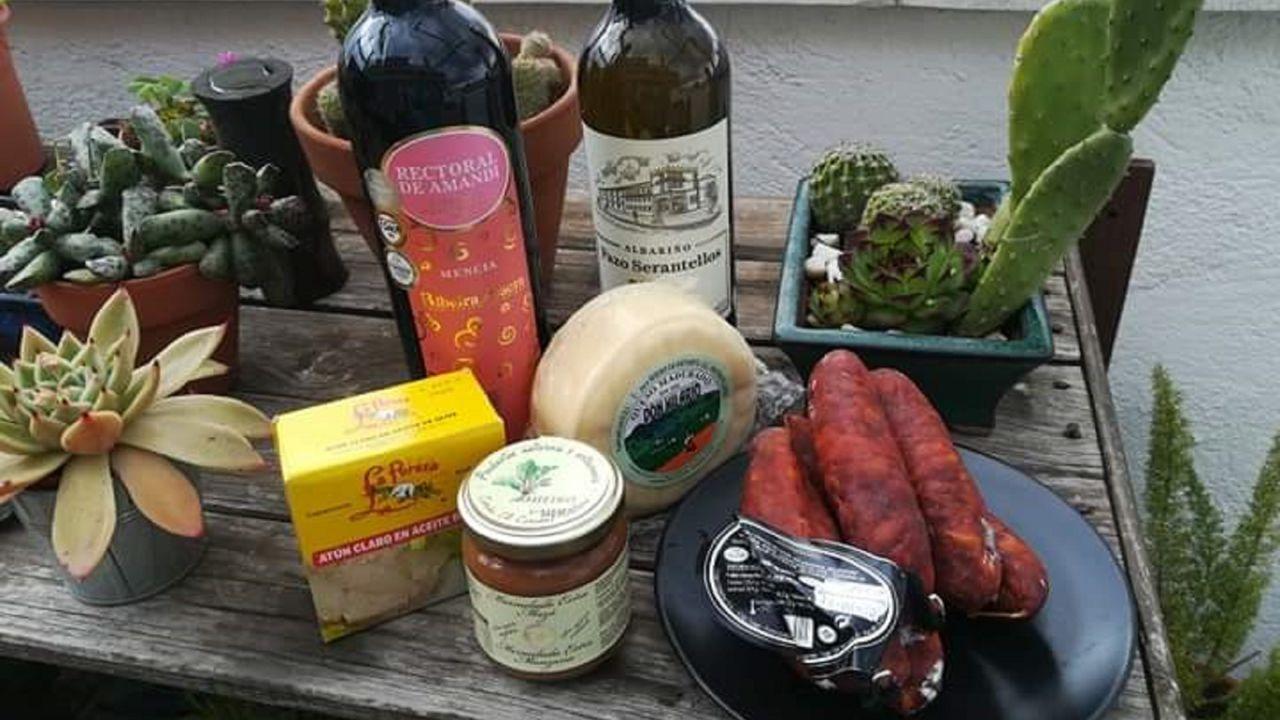 Algunos de los productos que forman el #KitAntimorriña del supermercado Soto