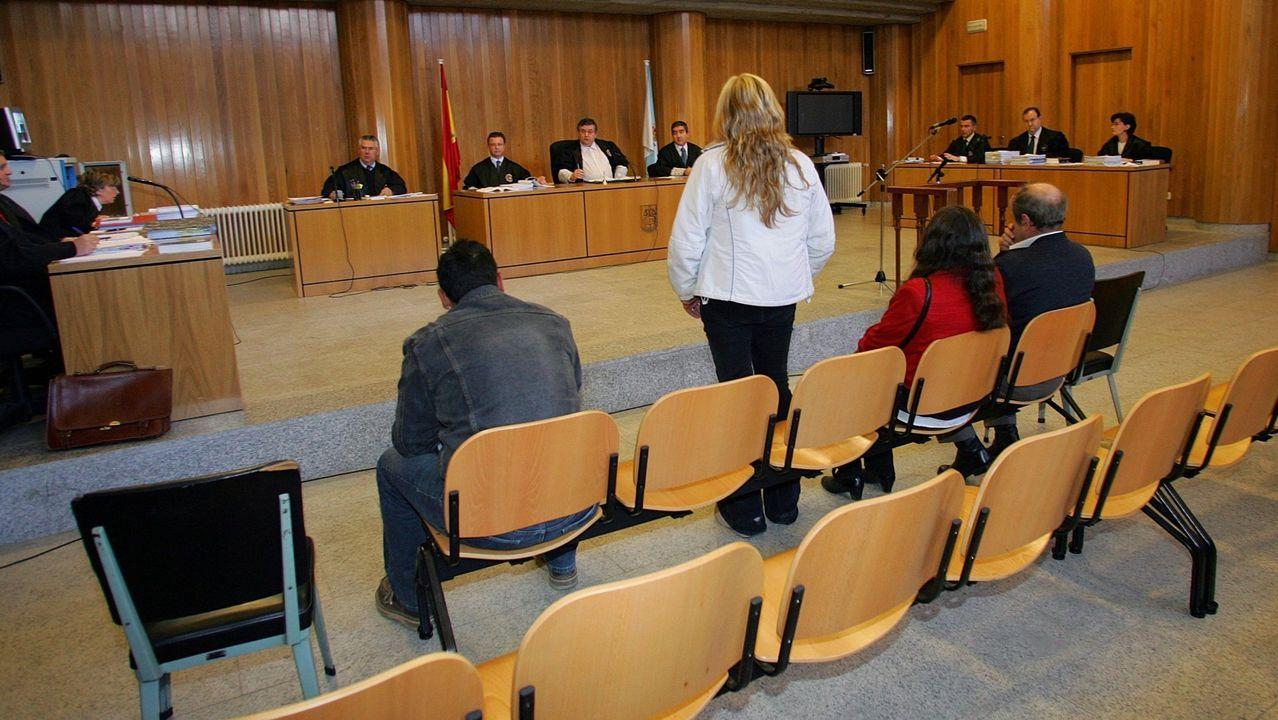 Imagen de archivo del juicio contra Isabel Marcos, en el centro de la fotografia