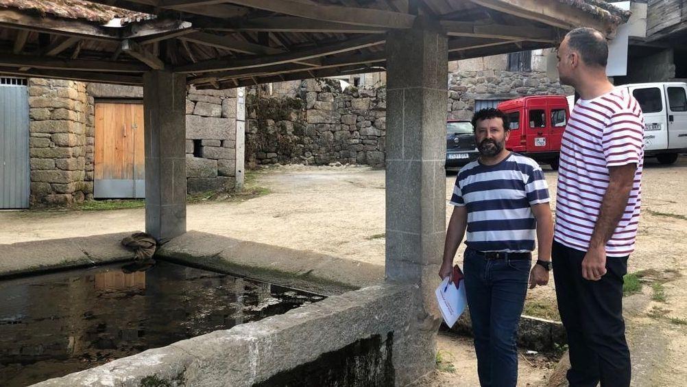 Los vándalos destrozaron siete sepulturas en el camposanto parroquial de san Bernabé
