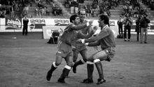 Maradona, celebrando un gol en Balaídos en 1992