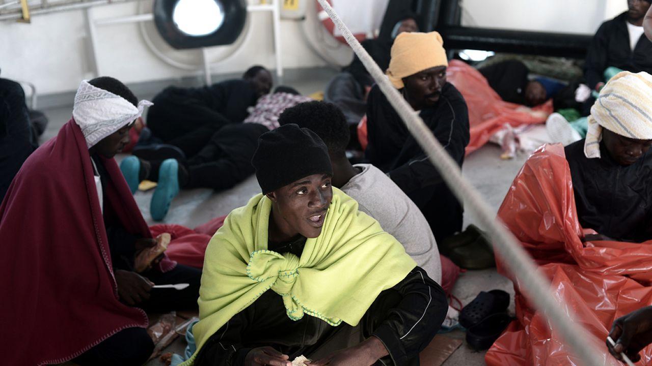 El estado del mar podría retrasar al domingo la llegada de los migrantes.Ricardo Sevillano (Nuegas Generaciones) y Alejandro Delgado (Juventudes Socialistas), forman parte del nuevo equipo directivo del Consejo de la Juventud de España