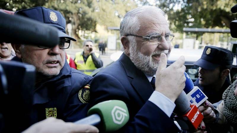JUan Cotino, a su llegada a los juzgados