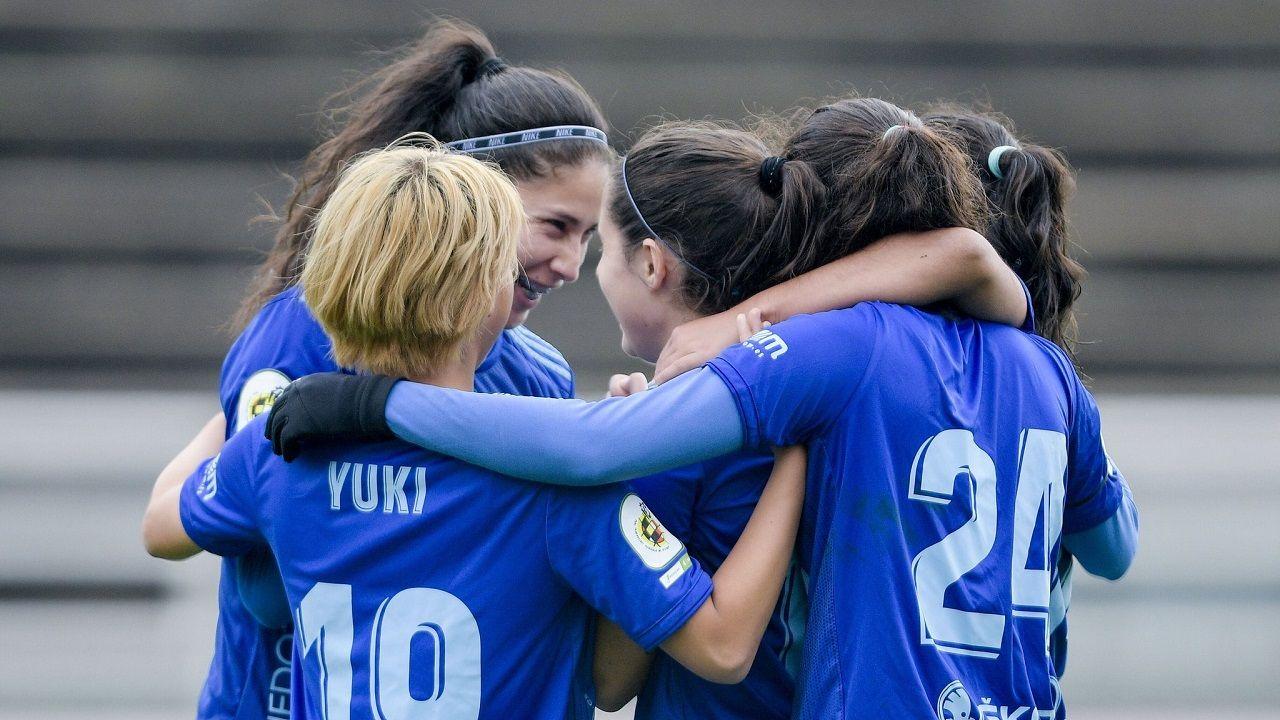 Gol Real Oviedo Femenino Madrid CF B San Gregorio.Las futbolista azules celebran uno de sus goles ante el Madrid CF B