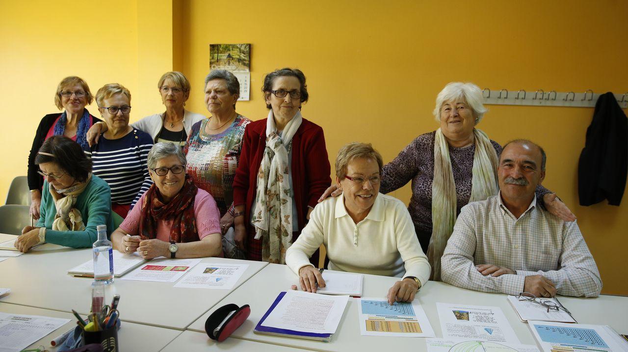 Clase de alfabetización en el centro cívico de Monte Alto (curso avanzado)