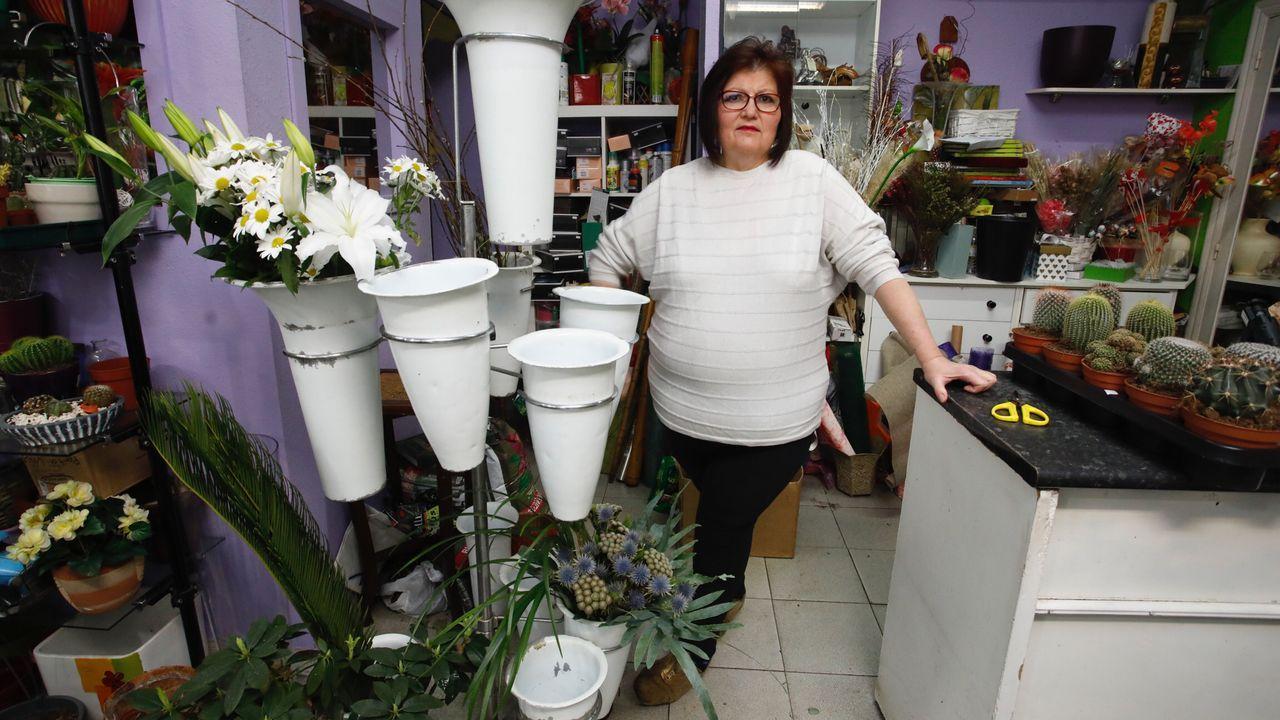 Fina Freire muestra el género que le queda tras cerrar la floristeria