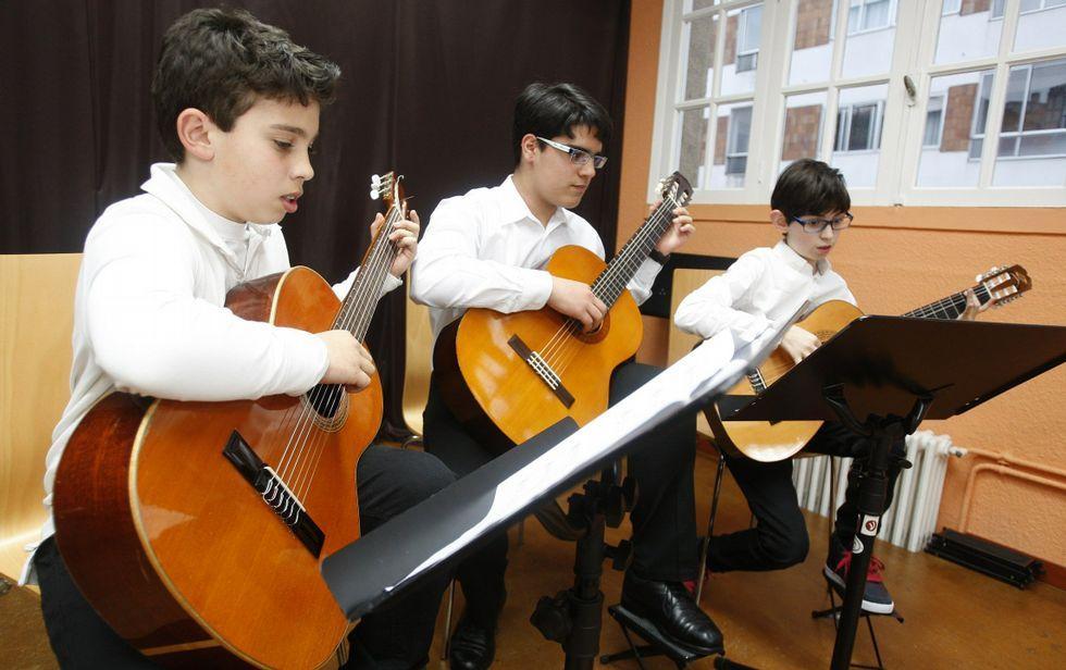 Isabel II celebra la fecha trabajando.Profesores y alumnos ahondarán en la obra de dos hitos de la historia de la música.