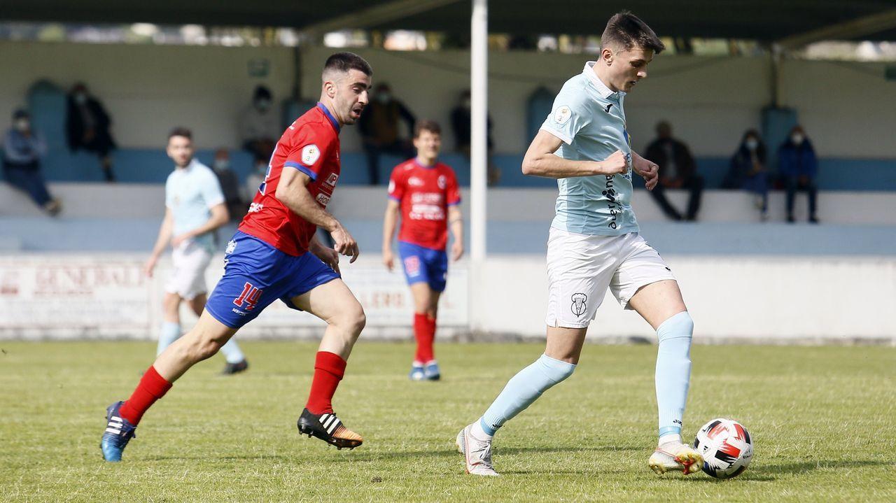 Las imágenes del partido entre el juvenil del Pontevedra y el Alondras.Diegui Johannesson