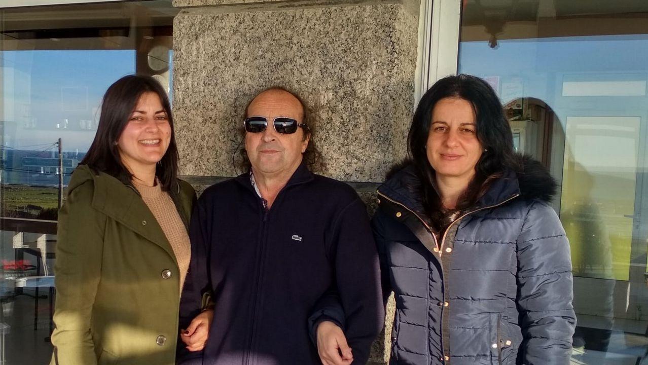 Así son los avistamientos «oficiales» de ovnis en Galicia.Jesús Vázquez Almuiña y Félix Rubial en una visita al centro de salud de O Porriño