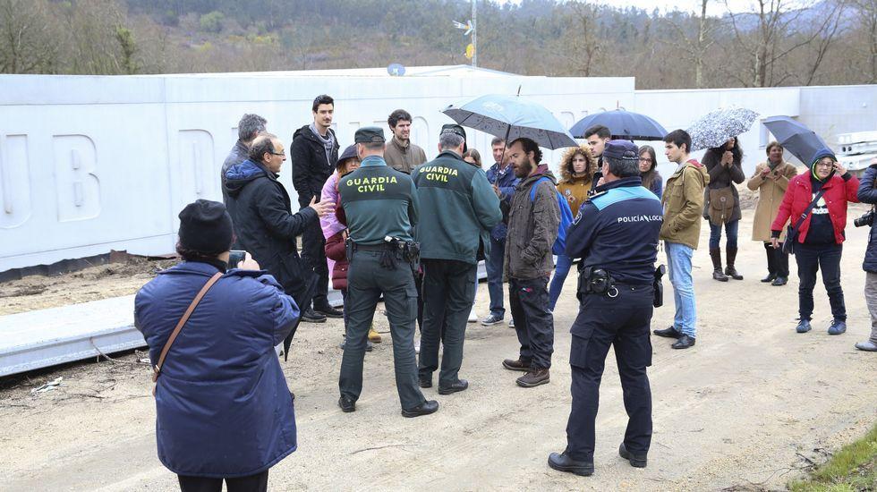 Una protesta con presencia de la Guardia Civil