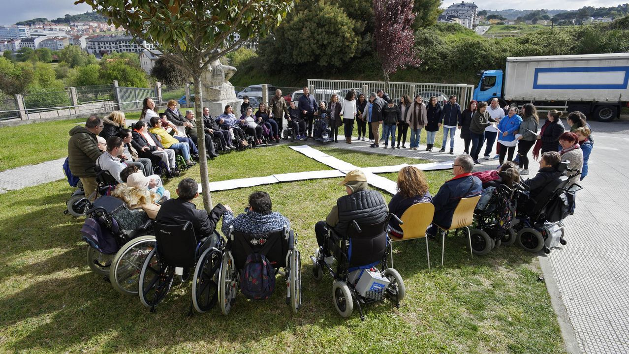 CIS Aixiña: Entidades sociais de Ourense deseñan unha X humana..López Obrador hizo el anuncio este lunes en su rueda de prensa diaria