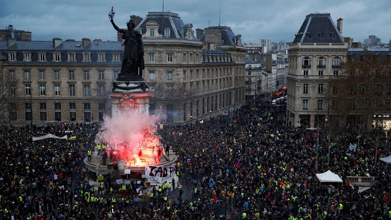Disturbios en los barrios comerciales de París tras blindar la Policía los Campos Elíseos.Anne Hidalgo y Rachida Dati
