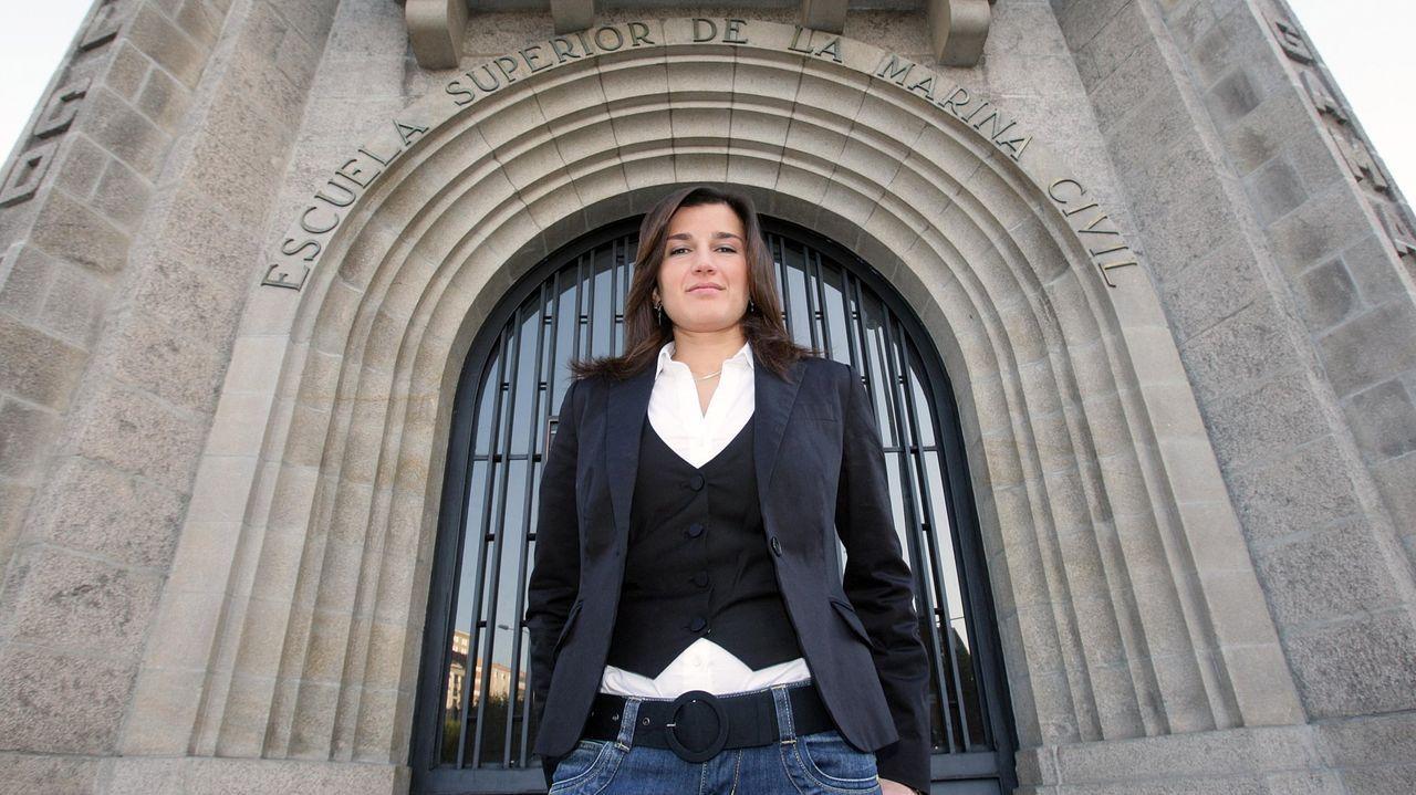 Sonia Cabado, en una imagen de archivo frente a la Escuela Superior de la Marina Civil de A Coruña
