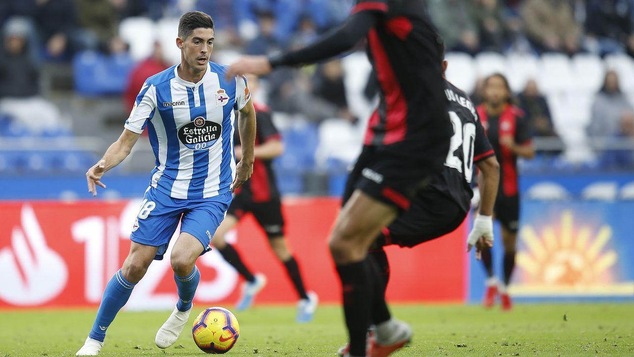 El Almería - Dépor en imágenes.Los futbolistas del Dépor celebran el gol a los 40 segundos del partido contra el Reus