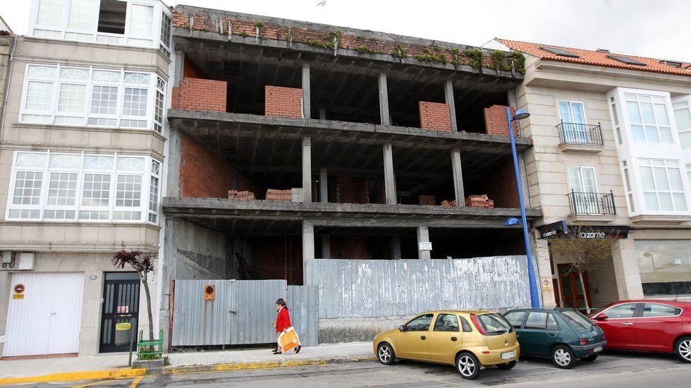 Edificio sin acabar en Cambados.