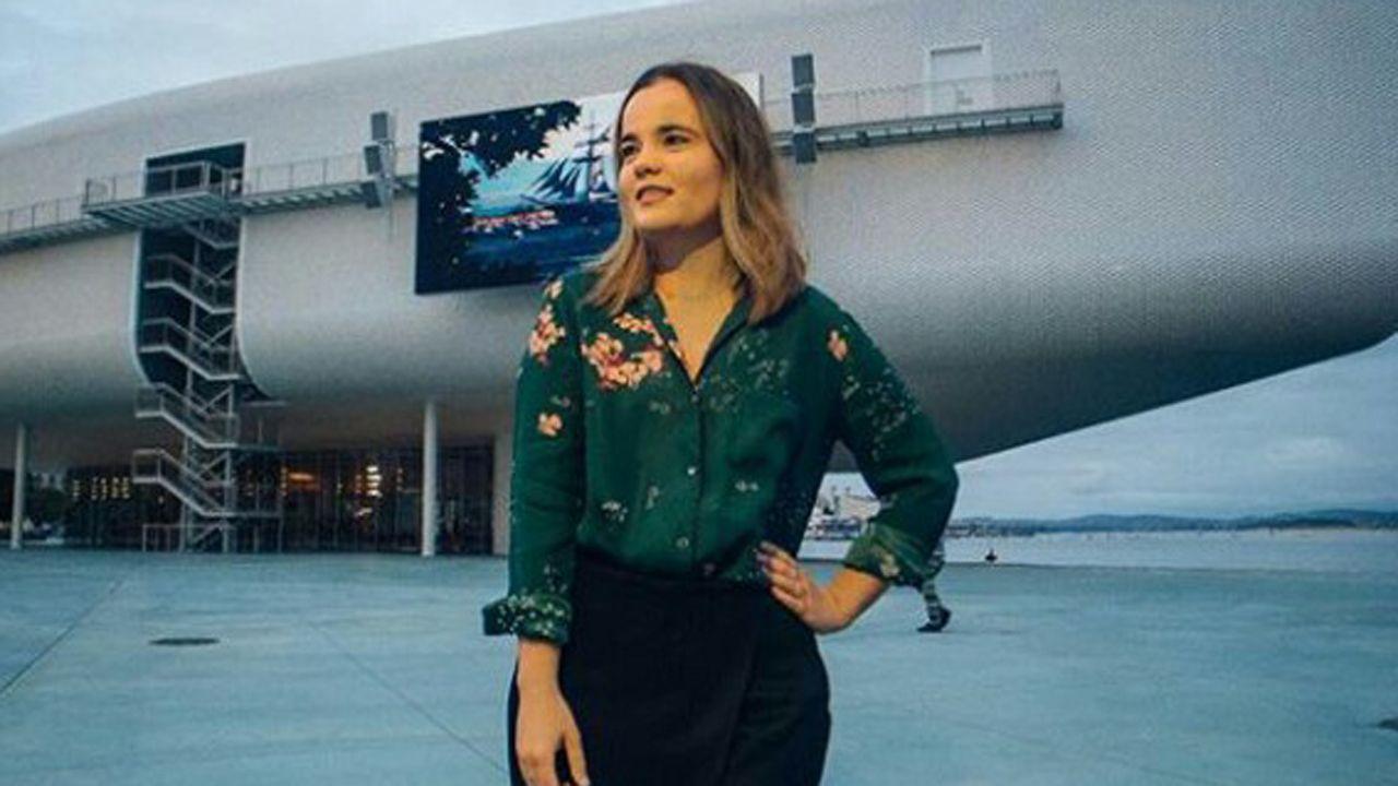 Clara Díaz Bayón. Graduada en Estudios Ingleses y máster de Español para Extranjeros. Estudiante de Lengua Española y sus Literaturas