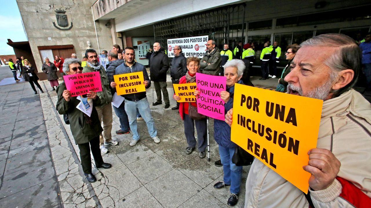 Concentración en Vigo por el triple crimen de Valga.Imagen de archivo en una concentración sobre la gestión del cheque social