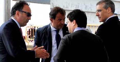 El nuevo conselleiro, a la derecha, en la botadura del «Adelaide» en Navantia el pasado julio.