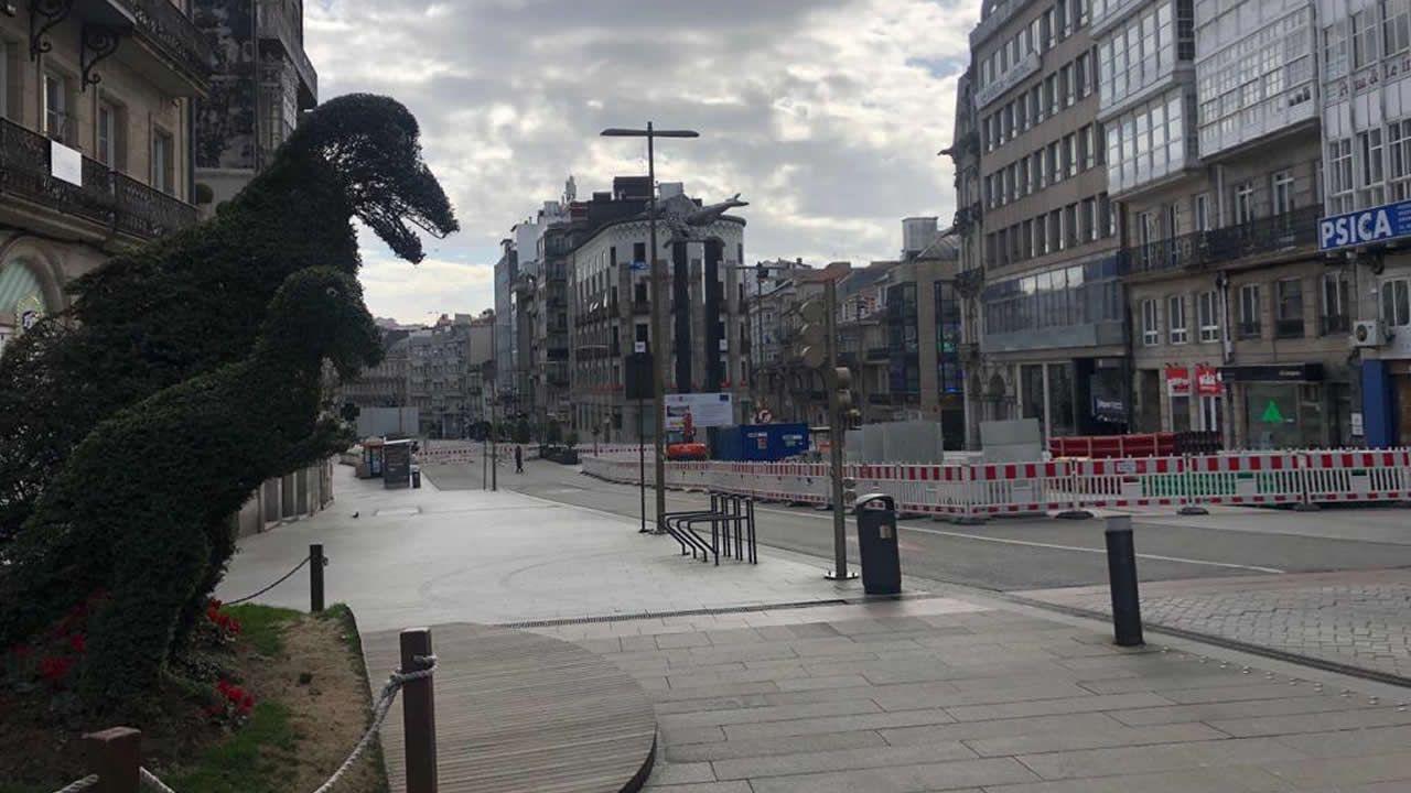 En la Porta do Sol de Vigo, solo dinoseto estaba en la calle a primera hora de la mañana