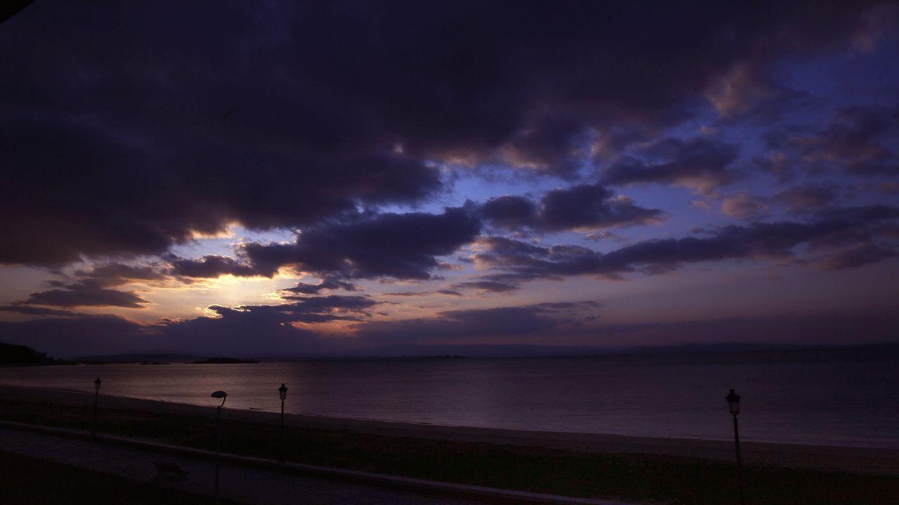 Pese a todo, los bañistas aprovecharon el buen tiempo de finales de verano en la mayoría de las playas gallegas