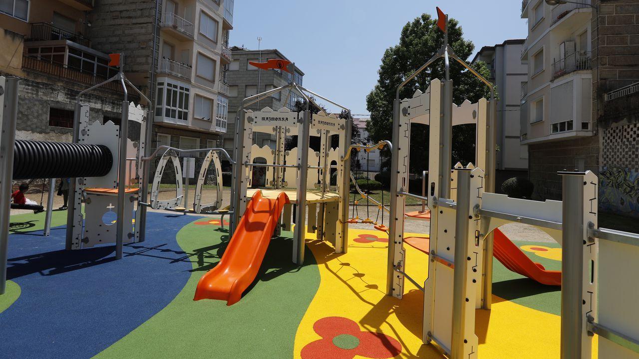 Nuevo parque infantil en A Carballeira