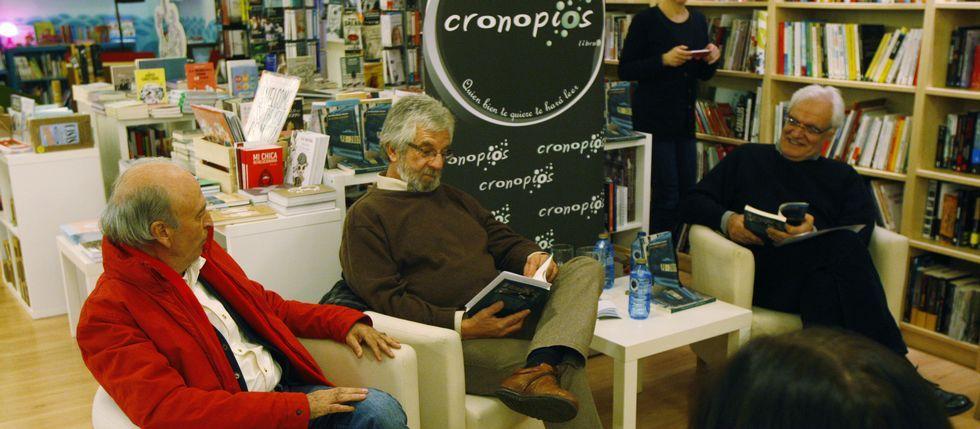 Fernández nun encontro no IES Laxeiro sobre a súa novela «Bícame, Frank!»<span lang= es-es > </span>