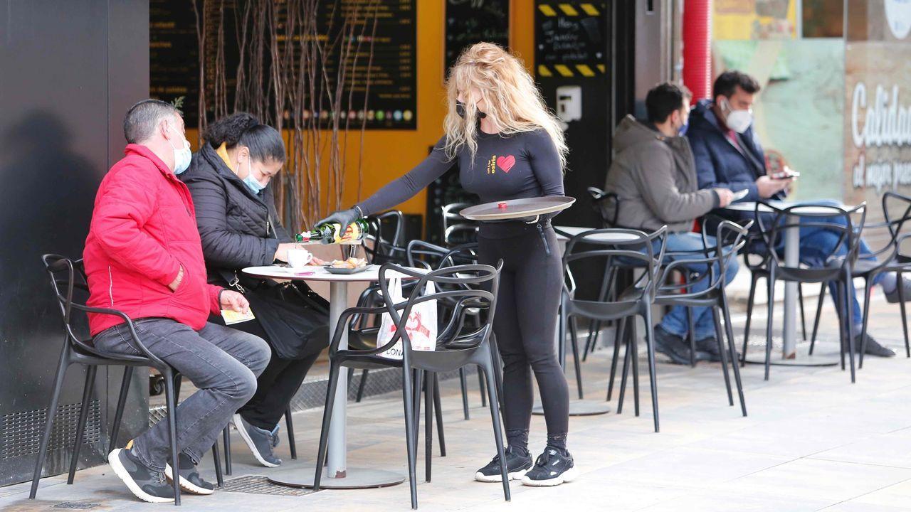 Las terrazas vuelven a las calles de Pontevedra