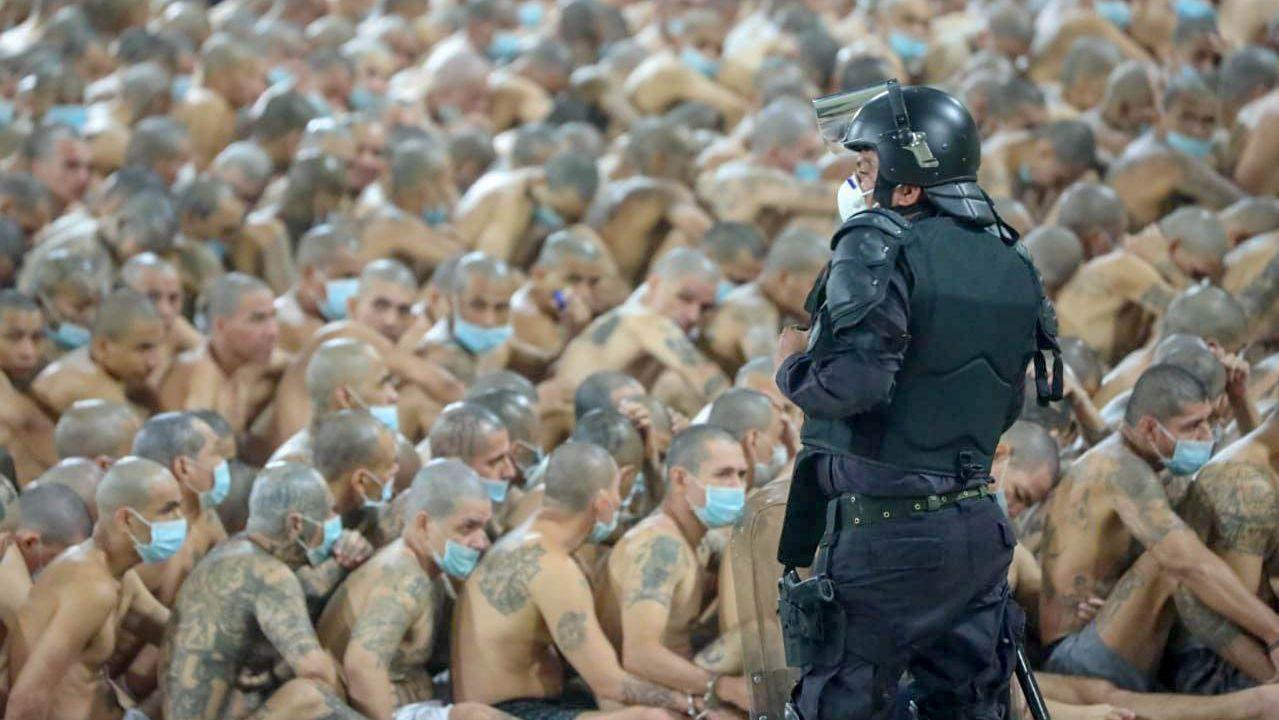 Operación policial con presos maras en la cárcel de Izalco ordenada por el presidente  Nayib Bukele
